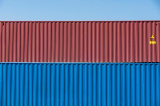 Wal kraan laden containers in fiscale magazijn logistiek
