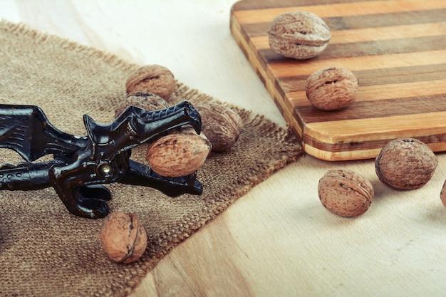 Walnoten en notenkraker