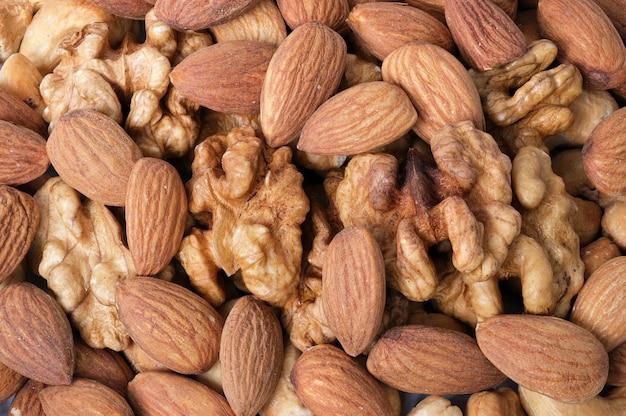 Walnut kernels, amandelen en geroosterde cashewnoten