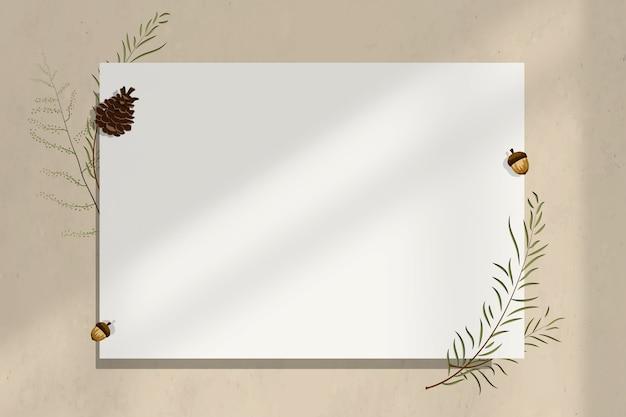 Wand blanco papieren frame met eikeldecoratie