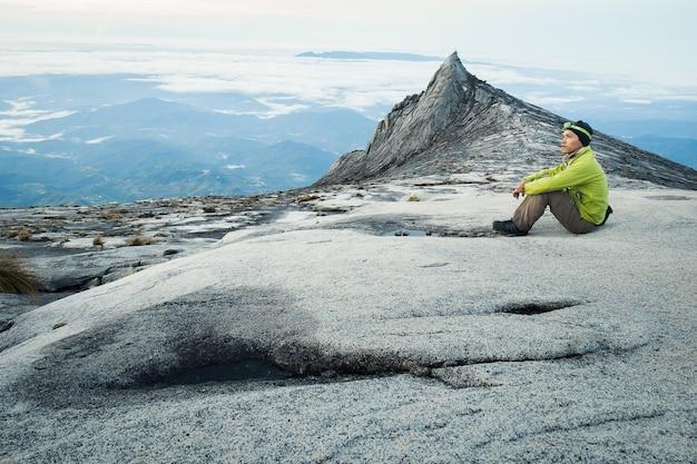 Wandelaar op de berg kinabalu