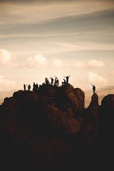 Wandelaars bovenop