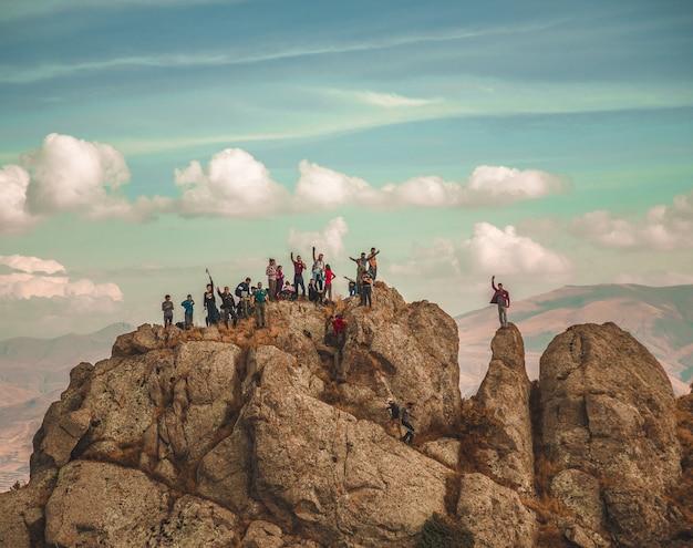 Wandelaars op bergen