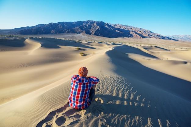 Wandeling in zandwoestijn