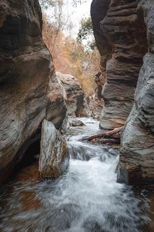 Wang sila laeng, grand canyon van het district pua, nan, thailand.