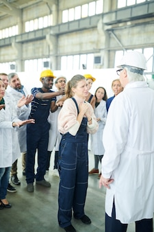 Wanhopige fabrieksarbeider