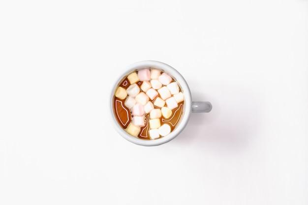 Warme chocolademelk en marshmallows