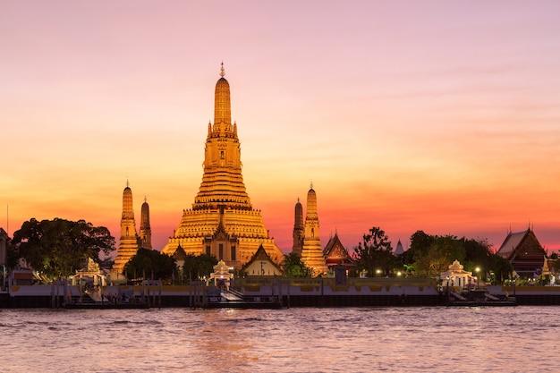 Wat arun, tempel van de dageraad