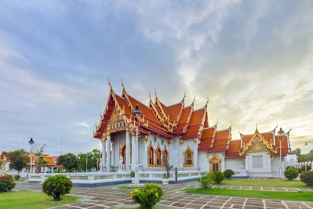 Wat benchamabophit dusitvanaram of marmeren tempel in bangkok, thailand