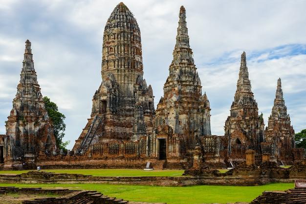 Wat chaiwatthanaram gebouwd door koning prasat tong