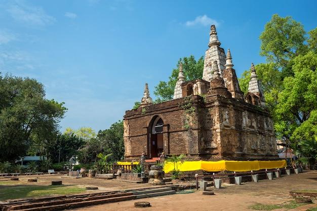 Wat chet yot, zeven pagodetempel een toeristische attractie in chiang mai, thailand.
