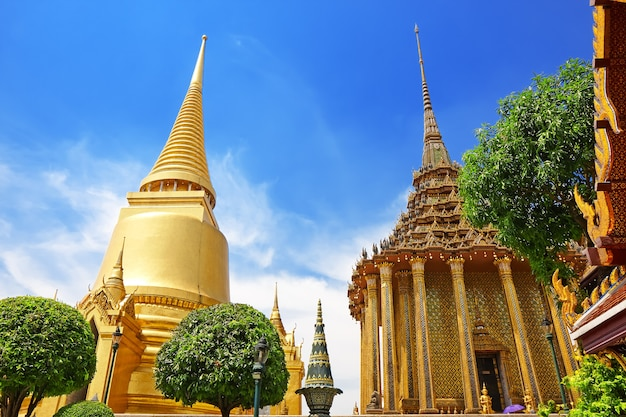 Wat phra kaew, tempel van de smaragden boeddha. het grand palace bangkok thailand