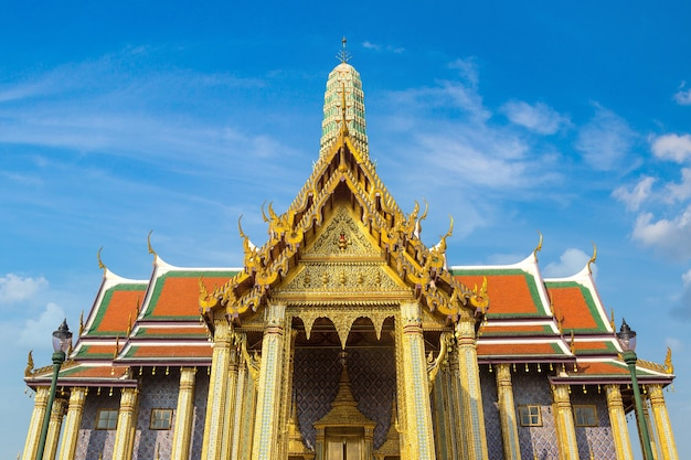 Wat phra kaew (tempel van de smaragden boeddha) in bangkok, thailand