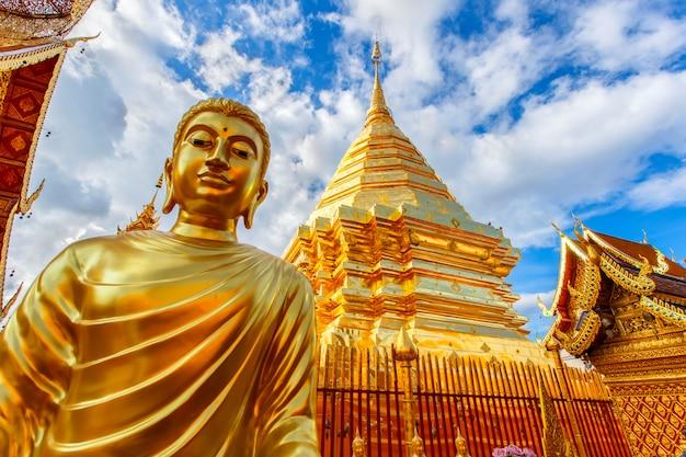 Wat phra that doi suthep is toeristische attractie van chiang mai, thailand