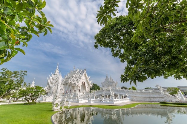 Wat rong khun, de witte tempel chiang rai, thailand