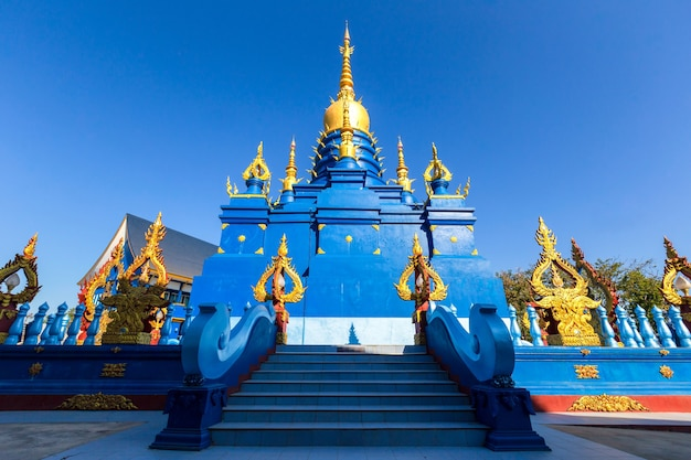 Wat rong sua ten-tempel, provincie chiang rai, thailand, het is een populaire bestemming en een monument van chiang rai
