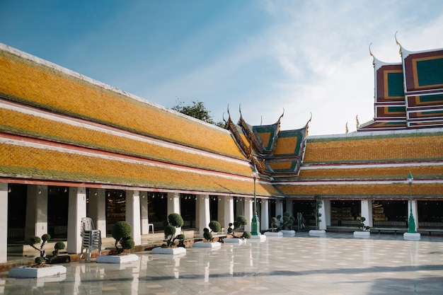 Wat suthat thepwararam thai templ bangkok thailand