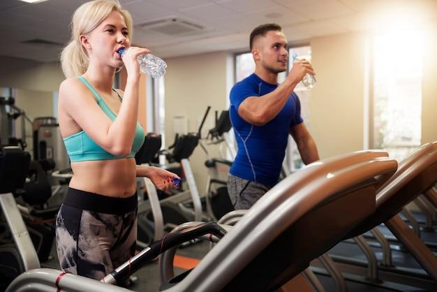 Water geven na de training is erg belangrijk