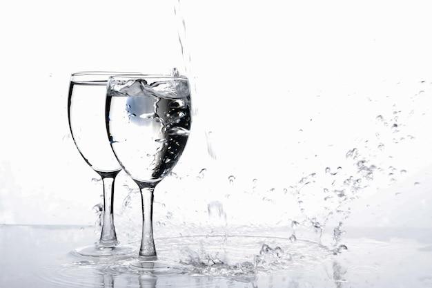 Water in wijnglas