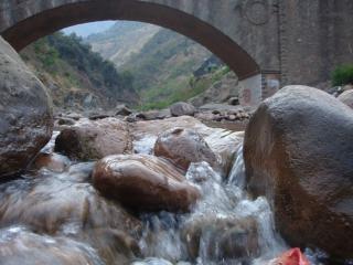 Water vallen, stenen