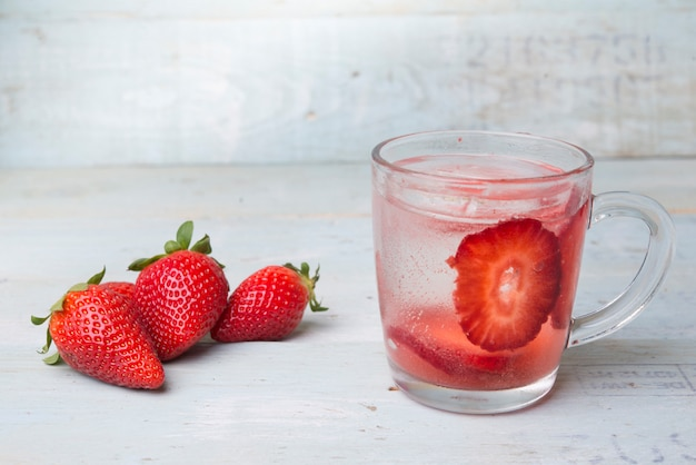 Water voor de zomer met groente