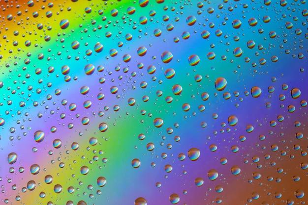 Waterdruppels op de regenboog