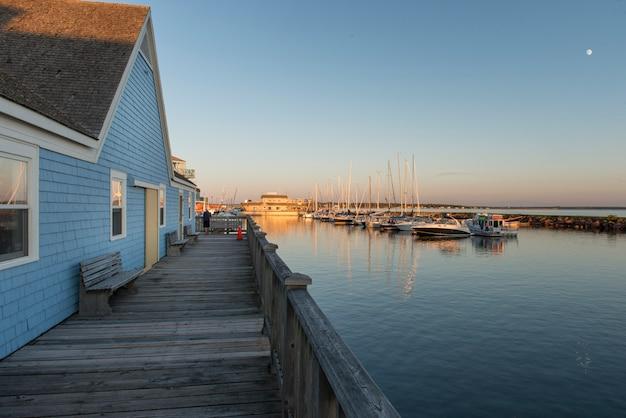 Waterfront gebouwen bij spinnakers landing, summerside, prince edward island, canada