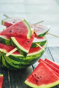 Watermeloen. eten en drinken. selectieve aandacht. natuur.