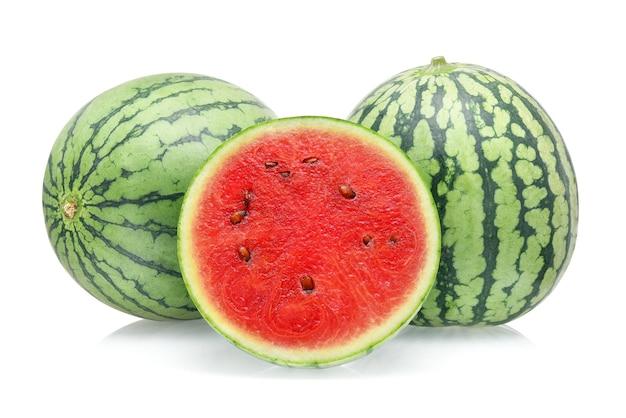 Watermeloen geïsoleerd op witte achtergrond