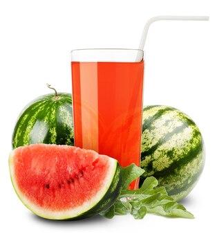 Watermeloen sap en plakjes sinaasappel geïsoleerd