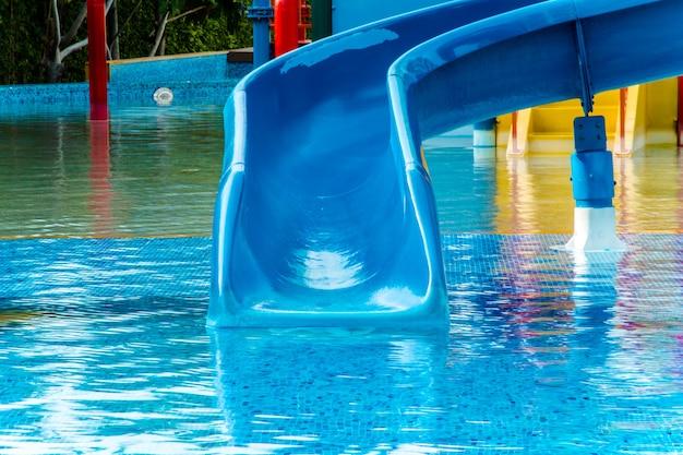 Waterpark in luxe resort en hotel, waterglijbaan