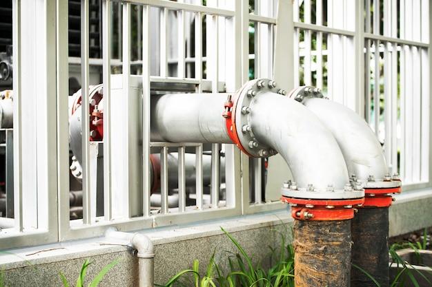 Waterpijpleiding in waterzuiveringsinstallatie