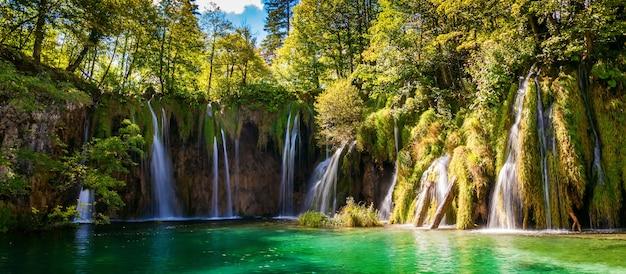 Watervallen in nationaal park plitvicemeren, kroatië