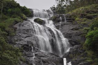 Watervallen, rotsen