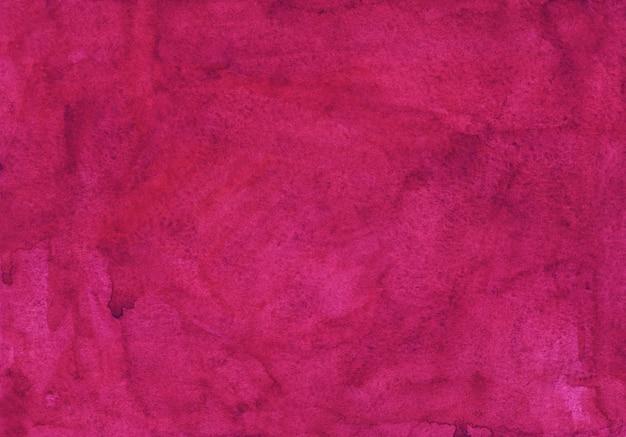 Waterverf het helder roze achtergrondtextuur schilderen. vintage aquarel diepe karmozijnrode achtergrond. vlekken op papier.