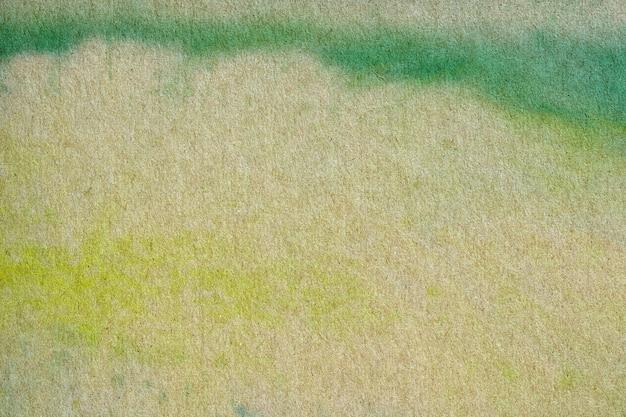 Waterverf het schilderen op kringloopdocument.