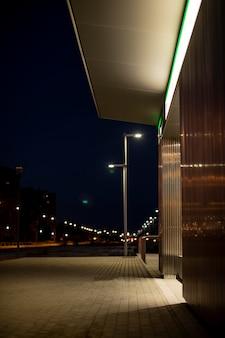 Wazig nachtlicht in de stad