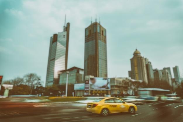 Wazige straat scene in de stad