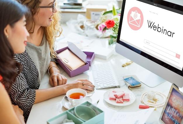 Webinar brainstormen webconferentie verbindingstechnologie concept