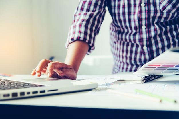 Website-ontwerper creatieve planning applicatie-ontwikkeling