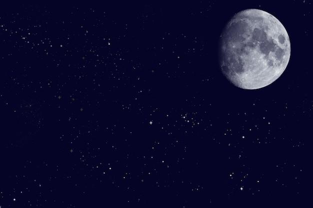 Weergave van de maan aan de nachtelijke hemel