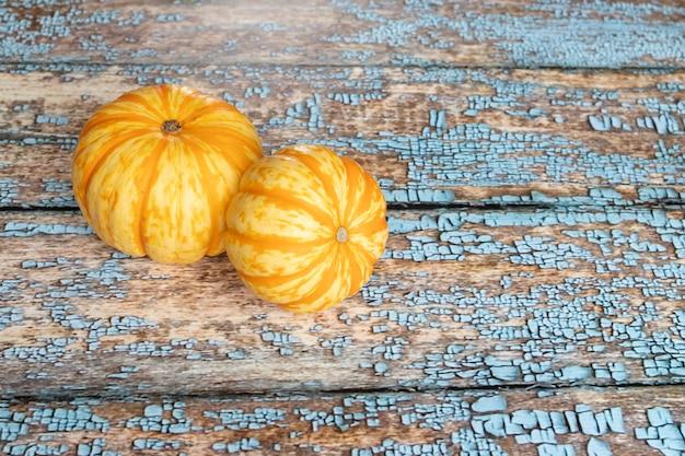 Weergave van oranje pompoenen
