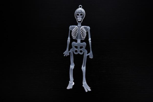 Weergave van skelet voor halloween-feest.