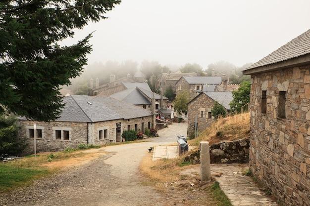 Weergave van typische huizen van cebreiro, spanje