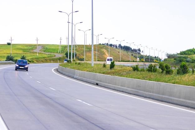 Weg naar tbilisi. gori-tbilisi snelweg. reizen.