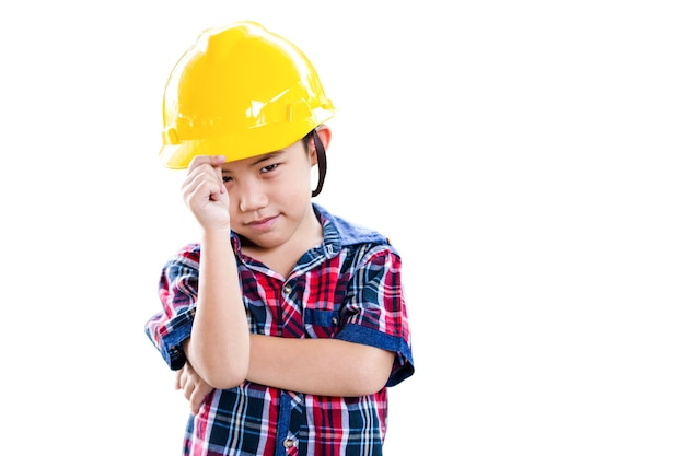 Weinig de mensenconcept van de jongensbouw dat op witte achtergrond wordt geïsoleerd