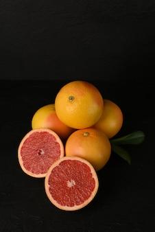 Weinig verse sappige grapefruits