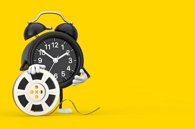 Wekkerkaraktermascotte met film reel cinema tape op een gele achtergrond. 3d-rendering