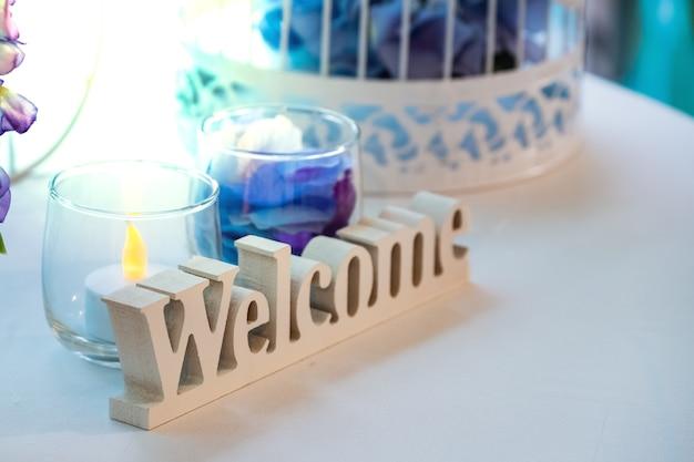 Welkom teken aan de bruiloft voor bruiloft scène decoratie