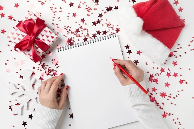 Wensenlijst voor kerstmis en nieuwjaar. nieuw jaarplan 2020 en decoraties voor feestdagen